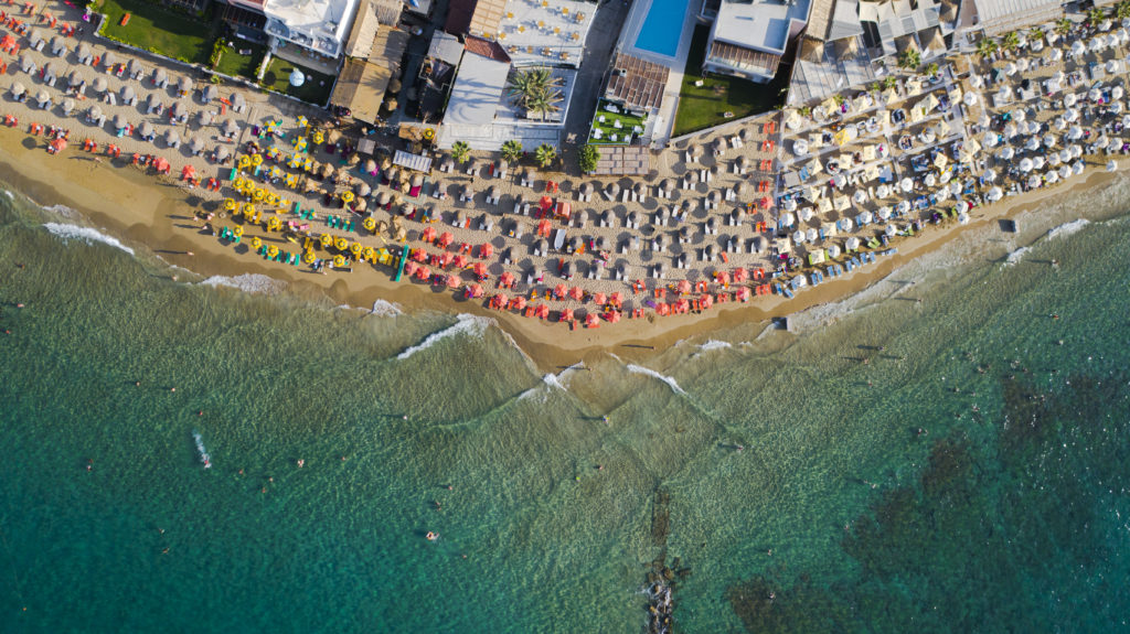 Пляж Малья, пляжи Крита с дрона. Malia beach drone view.