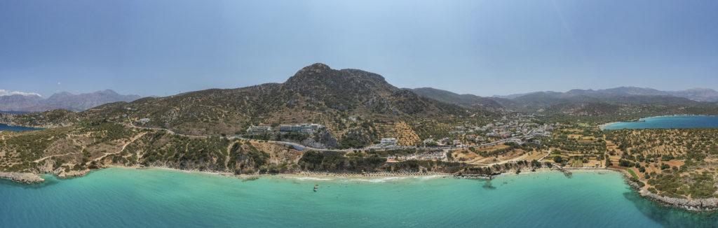 Пляж Вулисма, бухта Истрон, Крит с дрона. Voulisma beach, Istron bay, Crete drone view.